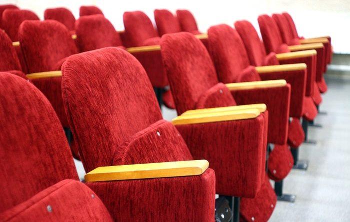 ¿nos hemos equivocado al abrir los cines tan pronto?
